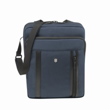 modrá taška na notebook Victorinox Werks Professional 2.0, Crossbody Laptop Bag